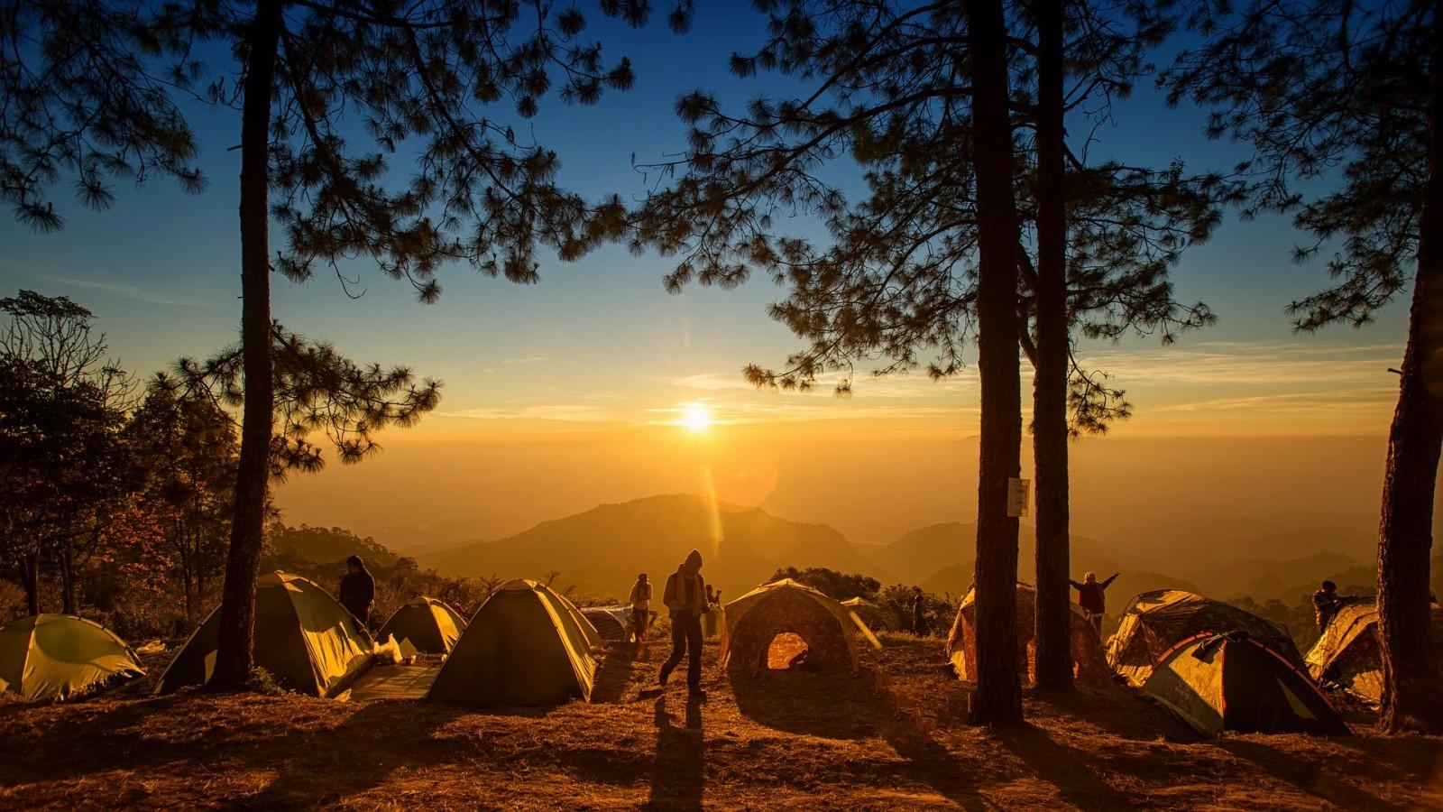 camping-4303357-1920-1600x